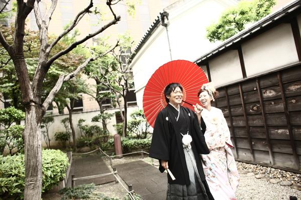 和装と番傘
